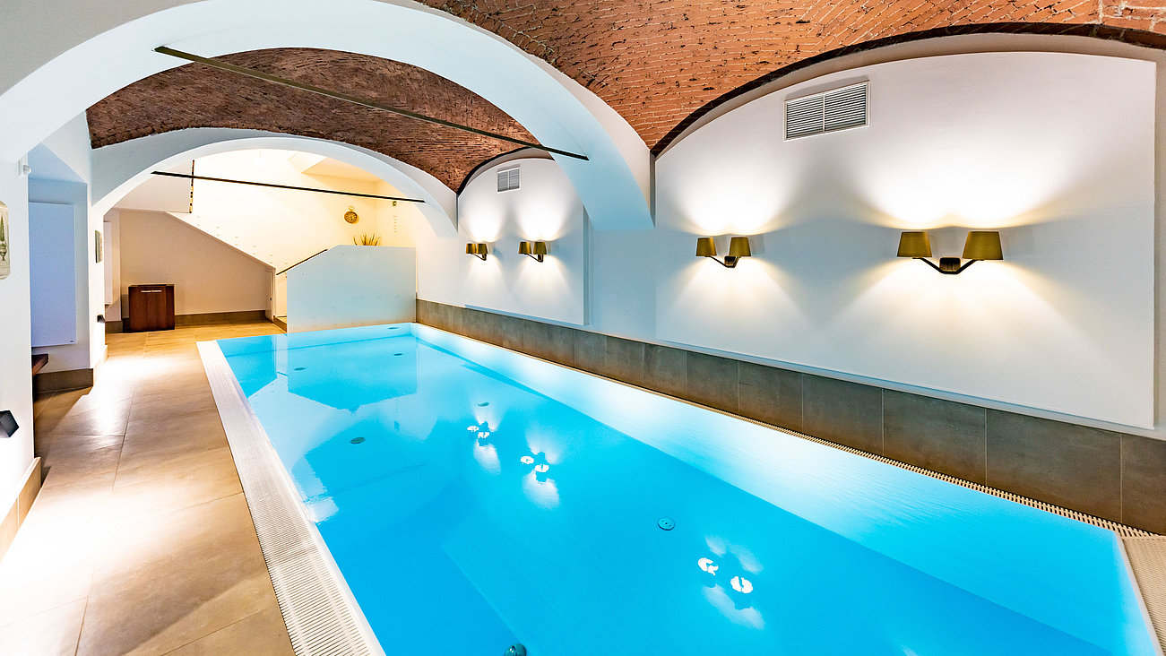 Indoor Pool im  Parkhotel Graz